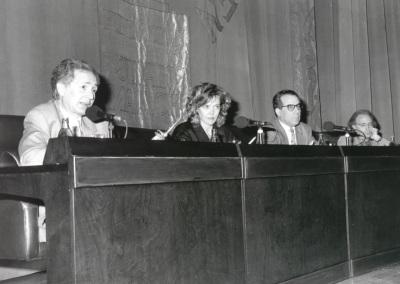 Andrés Amorós, Paloma Pedrero, Luciano García Lorenzo y José Luis Alonso de Santos. Mesa redonda con motivo de la presentación del Catálogo de Fotografías