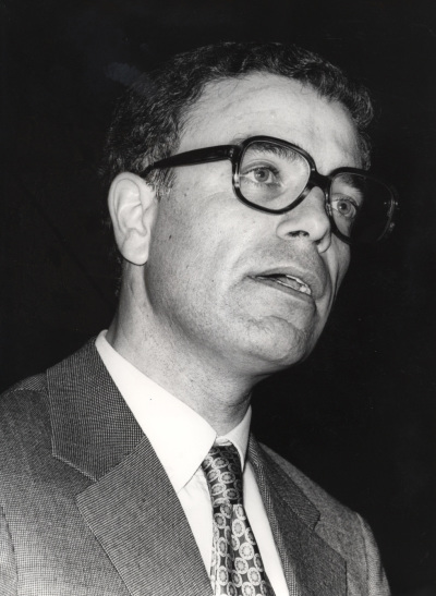 Vitor Manuel Aguiar e Silva. Ciclos de Conferencias IV Centenario de Luis de Camoens