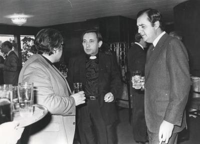 José Luis Martín Descalzo, José Luis Martín Patino y Carlos March Delgado. Comida-Homenaje de ABC a la Fundación Juan March