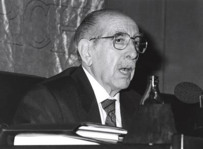 Ildefonso Manuel Gil. Encuentro con José Hierro