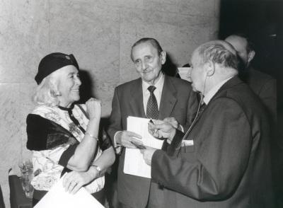 Carmen Martín Gaite, Antonio Buero Vallejo y Emilio Lorenzo. Presentación del nº 100 de la Revista Saber Leer
