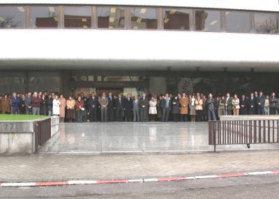 Personal de la Fundación Juan March. Acto de silencio, con motivo de los acontecimientos del 11 de Marzo de 2004