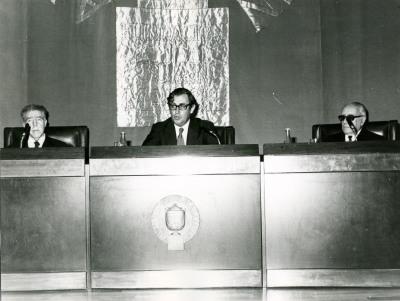 Marqués de Lozoya, Juan March Delgado y Enrique Lafuente Ferrari en la inauguración de la exposición antológica de la calcografía nacional