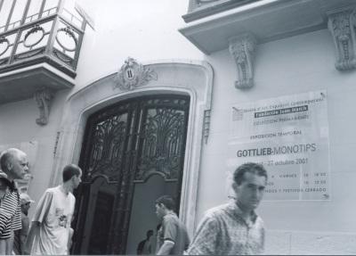 Vista parcial de la exposición Gottlieb: Monotipos