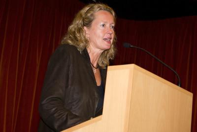 Renate Wiehager. Conferencia inaugural de la Exposición Antes y después del Minimalismo Un siglo de tendencias abstractas en la Colección DaimlerChrysler