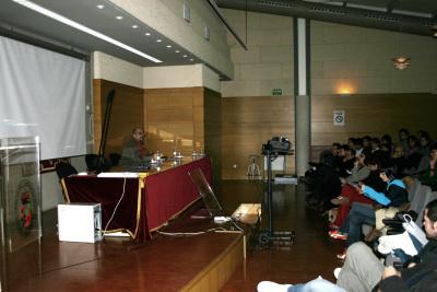 Jaime Brihuega en el curso Estructura y desarrollo de la iconosfera en la cultura contemporánea