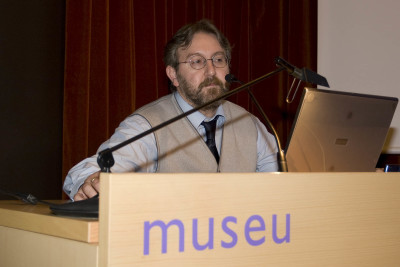 Emilio Ruiz Arcaute en el curso Restauración y Conservación de Pintura Contemporánea