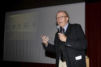 Konrad Laudenbacher en el curso Restauración y Conservación de Pintura Contemporánea