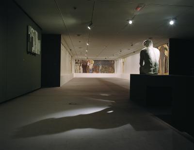 Vista parcial de la exposición La destrucción creadora. Gustav Klimt, el Friso de Beethoven y la lucha por la libertad del arte.