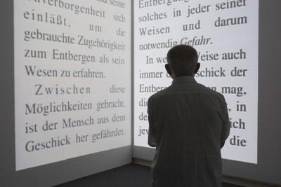Vista parcial. Exposición Gary Hill. Imágenes de luz Obras de la colección del Kunstmuseum Wolfsburg