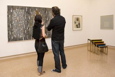 Vista parcial. Exposición Antes y después del Minimalismo Un siglo de tendencias abstractas en la Colección DaimlerChrysler