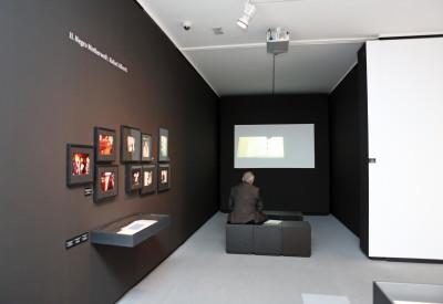 Vista parcial. Exposición Motherwell y los poetas (Octavio Paz y Rafael Alberti)