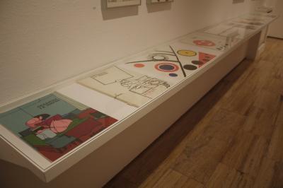Vista parcial. Exposición Libros (y otras publicaciones) de artista, 1947-2013