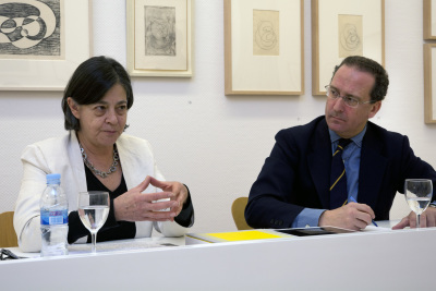 Brenda Danilowitz y Manuel Fontán del Junco. Exposición Josef Albers: proceso y grabado (1916-1976)