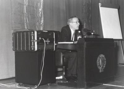 Daniel Vega Cernuda. Conferencia sobre J.S. Bach: ¿Un barroco? - Juan Sebastián Bach año 2000