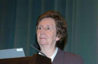 Margarita Salas. Conferencia sobre Los virus bacterianos como modelo. De la Biología Molecular a la Biotecnología - Medio siglo de Biología