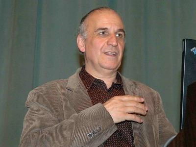 Jaume Bertranpetit. Conferencia sobre Reconstruyendo la historia de la humanidad a partir del genoma - Los nuevos retos de la biología: de los Neandertales al Prestige