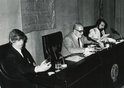 Darío Villanueva, José Mª Martínez Cachero y Juan Benet. Conferencia en el ciclo Novela Española Contemporánea
