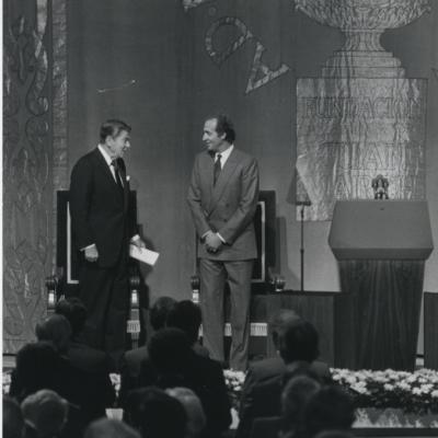 Ronald Reagan y Juan Carlos de Borbón. Conferencia sobre La lengua a debate - Pasado, presente y futuro de la Universidad Española