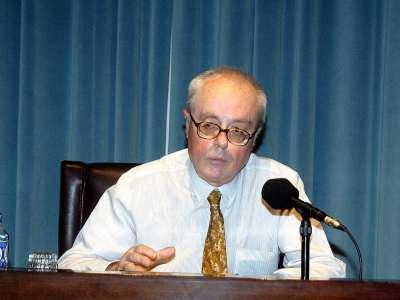 Blas Matamoro. Conferencia sobre La novela hispanoamericana: identidad, origen y narrativa - Poesía y novela hispanoamericanas: una literatura viva