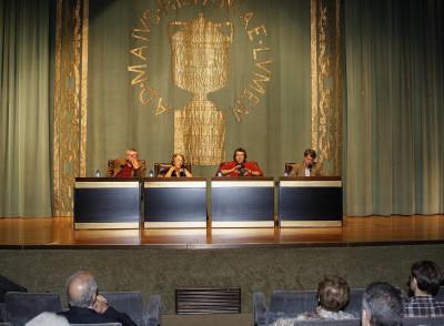 Esther Tusquets, Antonio Martínez Sarrión, Andrés Trapiello y Jordi Gracia. Conferencia sobre Las razones del autobiógrafo - Las máscaras de un género. Literatura y autobiografía en la España contemporánea