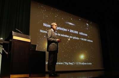 Agustín Sánchez-Lavega. Conferencia sobre Gigantes gaseosos y planetas extrasolares - El Sistema Solar