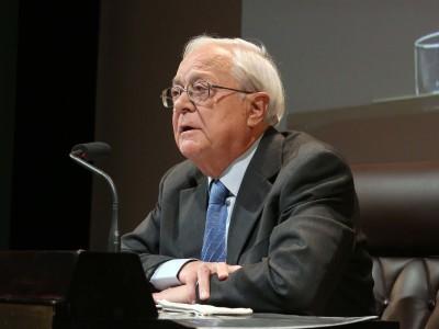 José Ángel García de Cortázar. En conferencia sobre La época del gótico, amanecer de una nueva sensibilidad