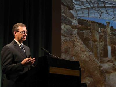 José Miguel Noguera. En conferencia sobre Carthago Nova. Arqueología de una metrópoli mediterránea - Las ciudades en la antigüedad mediterránea