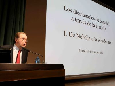 Pedro Álvarez de Miranda. En conferencia sobre De Nebrija a la Academia - Los diccionarios de español a través de la historia