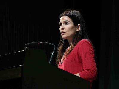 Laura Martínez de Guereñu. En conferencia sobre Josef Albers y España. Un antes y un después - En torno a Josef Albers