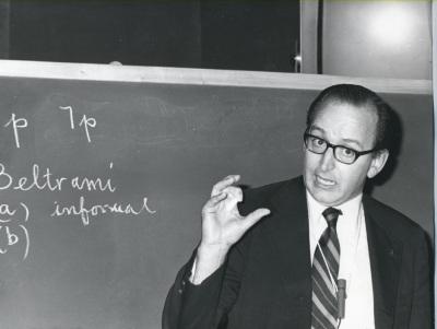 Florencio González Asenjo. Conferencia sobre Relaciones ente la metamatemática y la teoría de modelos - Cuestiones de metamatemática