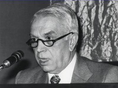 Manuel García Pelayo. Conferencia sobre Consideraciones generalesConferencia sobre el sistema estatal - El estado de nuestro tiempo