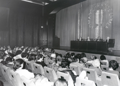 Carlos Cytrynowski, Adolfo Marsillach, Luciano García Lorenzo y Carlos Bousoño. Conferencia sobre Fuente Ovejuna en escena - En torno a 'Fuente Ovejuna'
