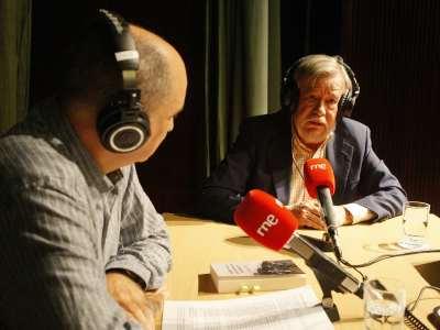 Juan Manuel Viana Ollorqui y José María Guelbenzu. Entrevista de RNE