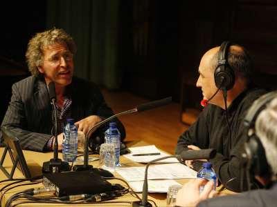 Marcel Worms, Juan Manuel Viana Ollorqui y Miguel Bustamante. Entrevista de RNE