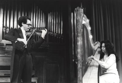 María Rosa Calvo Manzano y Francisco Comesaña. Recital de arpa y violín