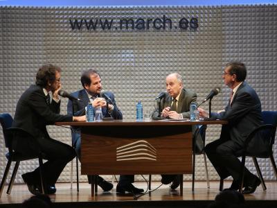 Íñigo Alfonso, Ignacio Molina Álvarez de Cienfuegos, José Juan Toharia y Antonio San José. En conferencia sobre Futuro de las monarquías en el mundo
