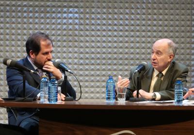 Ignacio Molina Álvarez de Cienfuegos y José Juan Toharia. En conferencia sobre Futuro de las monarquías en el mundo