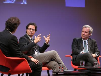 Íñigo Alfonso, José Ignacio Torreblanca Payá y José María de Areilza. En conferencia sobre Europa, presente y futuro