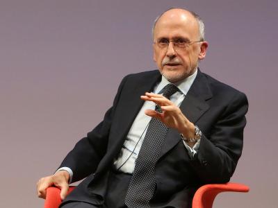 Óscar Fanjul. En conferencia sobre La crisis a los dos lados del Atlántico: la solución de EE.UU. y la de Alemania (Europa)