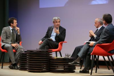 Íñigo Alfonso, Luis Garicano, Óscar Fanjul y Antonio San José. En conferencia sobre La crisis a los dos lados del Atlántico: la solución de EE.UU. y la de Alemania (Europa)