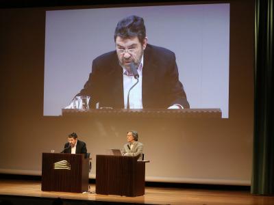 Mauro Armiño y Josep María Flotats. En conferencia sobre Selección de poemas presentados por Mauro Armiño y lectura dramatizada por Josep Maria Flotats - Rimbaud y Verlaine
