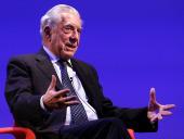 Mario Vargas Llosa. En conferencia sobre Mario Vargas Llosa en diálogo con Juan Cruz en torno a la figura de Onetti , 2015