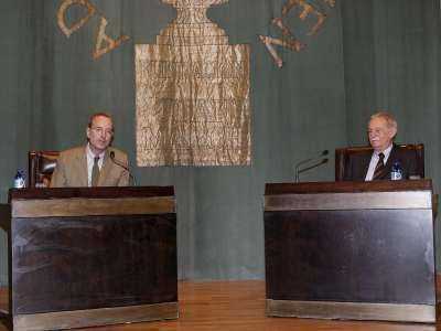 Llátzer Moix y Eduardo Mendoza