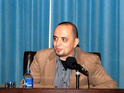 Juan Antonio González Iglesias. Bajo el signo de Horacio