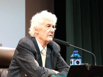 Félix Grande. En conferencia sobre ¿Quién es este escritor? ¿Gracias a quién? - Félix Grande