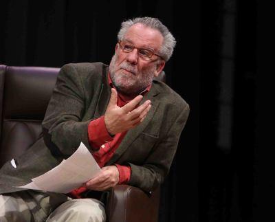 Luciano García Lorenzo. En conferencia sobre Mario Gas en diálogo con Luciano García Lorenzo y lectura dramatizada