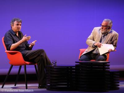 Ernesto Caballero y Luciano García Lorenzo. En conferencia sobre Diálogo con Luciano García Lorenzo y lectura dramatizada de obras de Ernesto Caballero