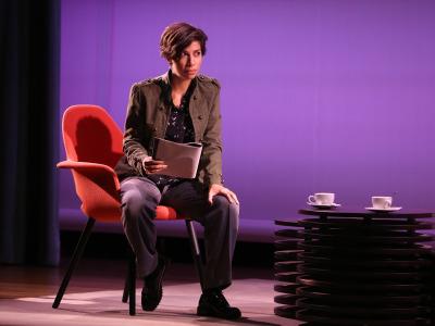 Karina Garantivá. En conferencia sobre Diálogo con Luciano García Lorenzo y lectura dramatizada de obras de Ernesto Caballero