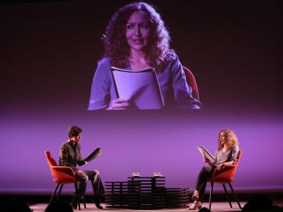 Karina Garantivá y Marta Betriu. En conferencia sobre Diálogo con Luciano García Lorenzo y lectura dramatizada de obras de Ernesto Caballero
